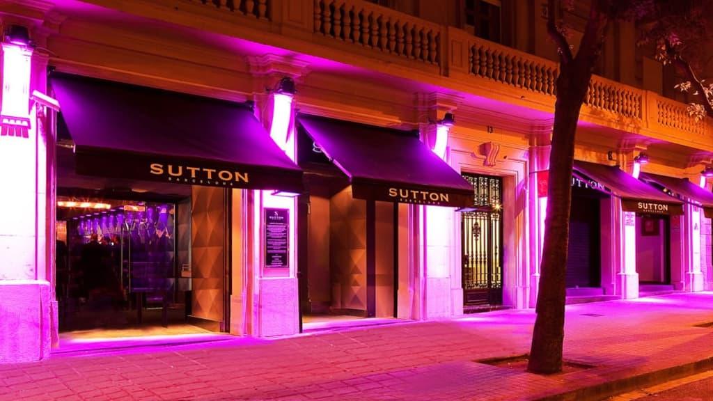 Entrée à l'extérieur de la discothèque Sutton